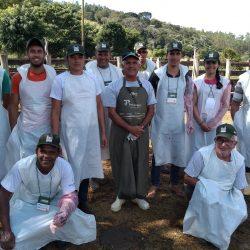 Produtores rurais são treinados para a Inseminação Artificial de bovinos no município de Dores de Guanhães-MG